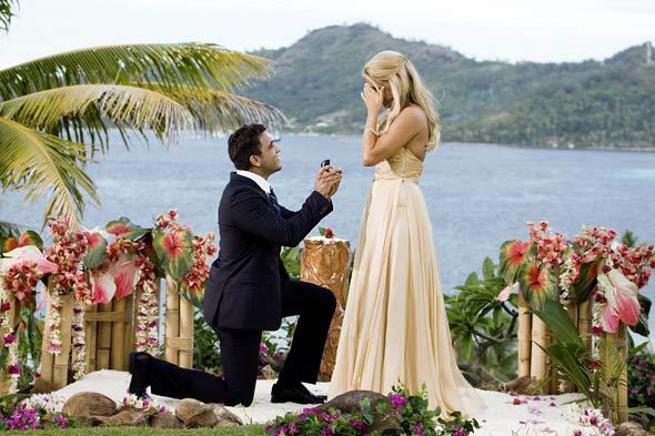 the-bachelorette-finale-ali-fedotowsky-roberto-proposal-590kb080310