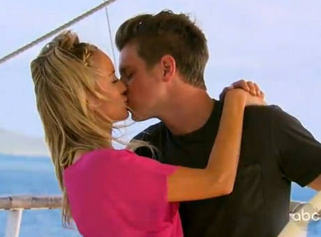 Bachelorette Emily Maynard and Jef Holm kissing