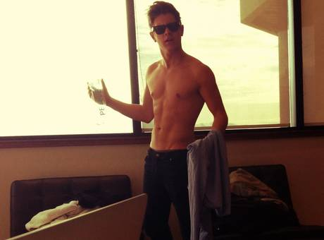 jef-holm-shirtless