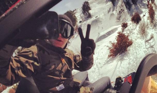 jef-holm-snowboarding-katianna-bear