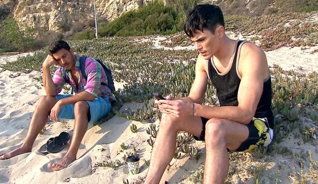 vanderpump-rules-season-2-beach