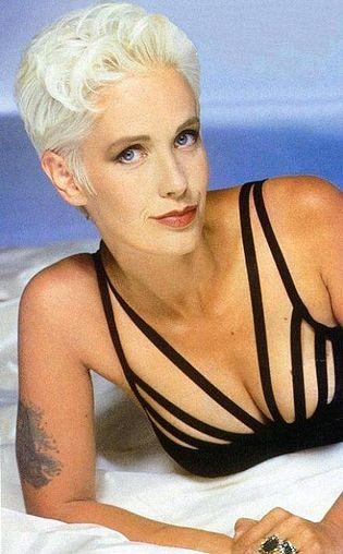 Paula Yates Nude Photos 16