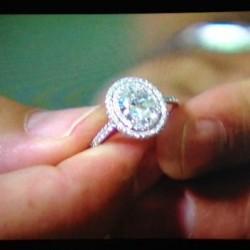 Andi Dorfman's engagement ring value: $100,000  Source: Glamor