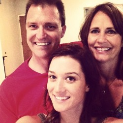 Jade Roper with her mom and dad Source: Instagram