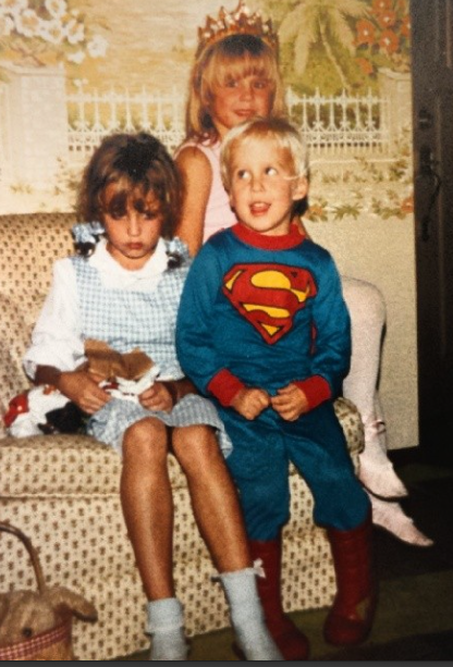 Shawn Booth and his sister 1989 Source: Facebook