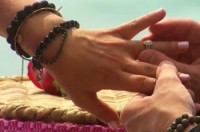 584564_re_see-carly-waddell8217s-engagement-ring-from-evan-bass-on-8216bachelor-in-paradise8217-finale